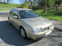 2002 '02' VOLKSWAGON BORA 2.0 SPORT 4 DOOR SALOON IN MET GOLD ONLY 98,000 MILES