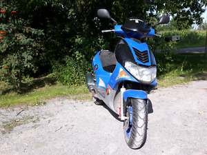****Scooter kymco super 9****