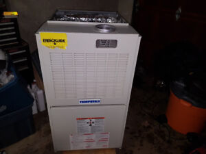 125,000 btu gas furnace - new
