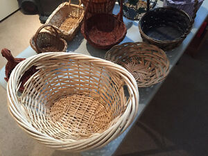 Wicker Baskets/Gift Baskets for Flowers or Candy / Home Accents