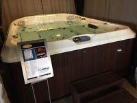 JACUZZI ANCASTER - FLOOR MODEL CLEARANCE - J495 - SAVE 1000'S!