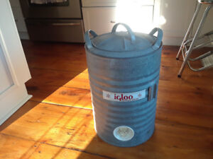 Igloo metal canister antique