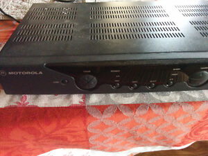 Shaw cable box with remote- motorola
