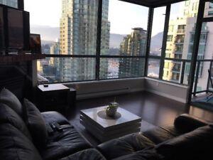 Charming 1 Bedroom+ Den Downtown Furnished - 608ft2