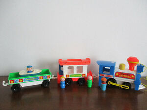 Train  Fisher Price  Vintage   2581 Souvenir  Impérissable