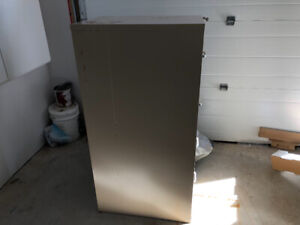Good Locking File Cabinet For Sale.