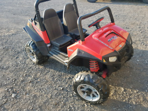 Peg perego polaris RZR 900 rouge side by side enfants