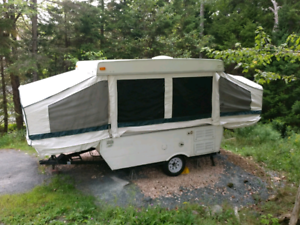 Palomino Pop-up Trailer / Camper