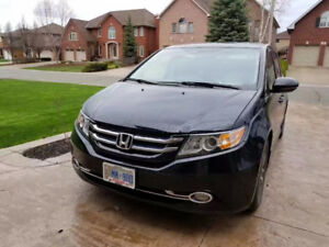 Honda Odyssey Touring 8 seats one owner
