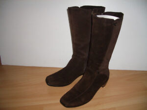"Bottes """" BLONDO """" boots ----- for size 7 - 8 US"