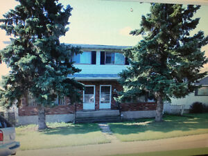 Nice and Clean 1600  sqft 1/2  duplex for Rent