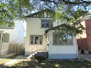 St. Boniface Full of character & charm this spacious 1320sf home