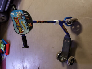 Kid's scooter in great condition