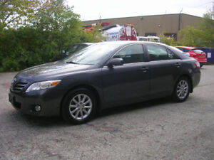 2011 TOYOTA CAMRY XLE- AUTO- LOADED- ONE OWNER