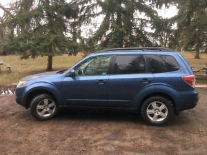 2010 Subaru Forester. Full load. Lady driven. Starter!