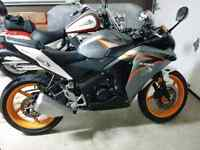 2011 honda cbr 125. Good condition nego