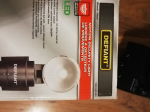 Security camera with Wi-Fi recording and playback and LED light