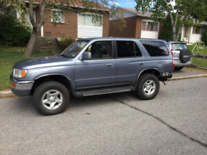 Toyota 4runner Manual | Kijiji in Ontario  - Buy, Sell