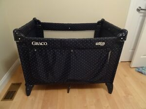 Graco Play yard with mattress