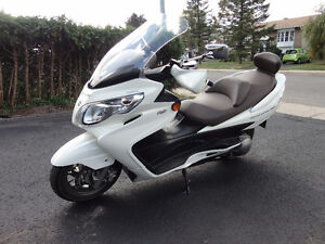 MOTO Suzuki Burgman Limited 2011 ABS 400cc.Automatique,.