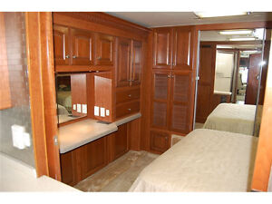 Class A Coach For Sale or Trade for 5th Wheel and Truck London Ontario image 5
