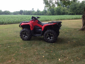 2014 Can am 650xt Low Km.