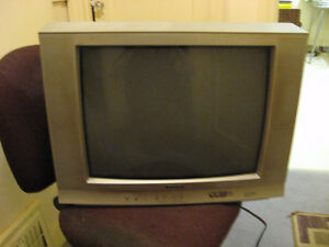 "21"" Citizen Color TV - Coaxial and RCA with Remote *DEAL*"