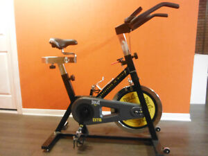 vélo stationnaire (spinning)