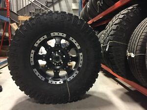 Roues Mags et Goodyear Wrangler DuraTrac Tire LT315/70R17