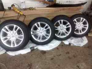 """15"""" chrome alloy rims with tires"""
