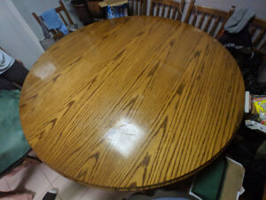 Round Solid Wood Dining Table w/ 8x Chairs & Poker cover