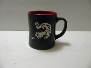 Dragon Engrave Porcelain Coffee Cup 12 oz.Black Curve Shape