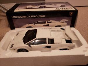AUTOart LAMBORGHINI COUNTACH LP5000S 1/18 Die Cast Scale