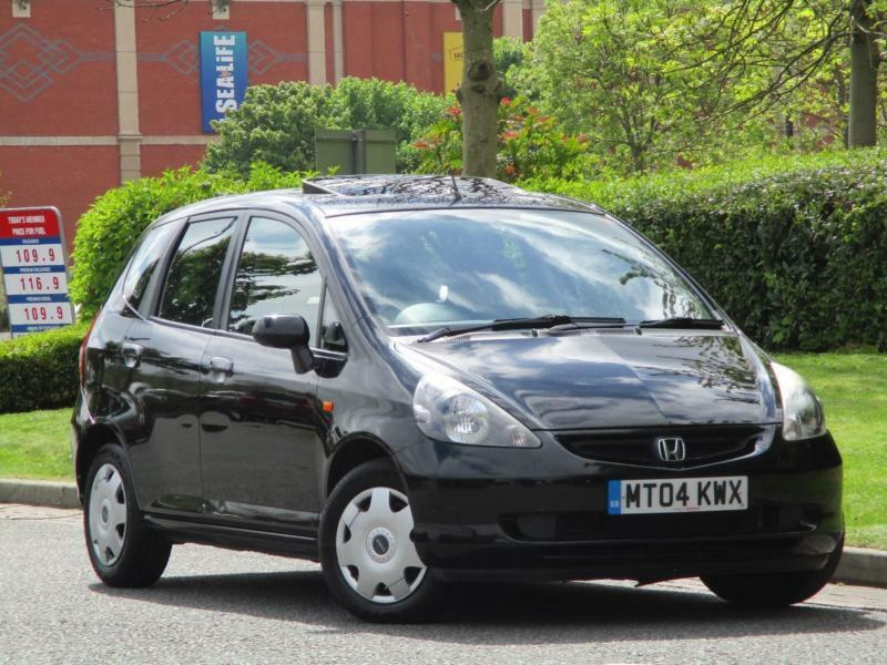 Honda jazz se 10 service stamps 1 f owner in for Manchester honda service