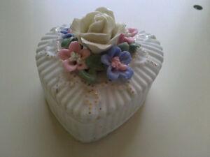 Vintage bone chine heart shaped trinket storage jewelry box London Ontario image 6