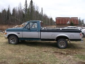 1996 Ford F-150 silver Pickup Truck