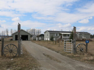Acreage With Mobile West of Sundre  MLS: CA0104399