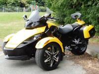 60 CAN-AM SPYDER ROADSTER RS SM5 TRIKE WITH LUGGAGE & SAT NAV