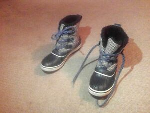 like new Sorel winter duck boots