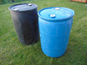 Plastic Water Barrels‎