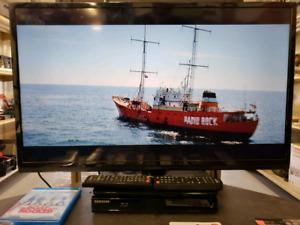 "32"" LCD Flatscreen TVs For Sale"