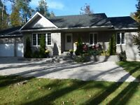 HOME/Cottage near Owen Sound Bay,40 minutes to ski hills