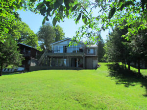 Lake Muskoka cottage with great beach, dock and sun! 1551