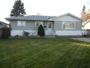 Entire 3 Bedroom Home In Desirable South Regina