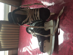 Boys skates size 12J