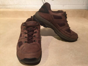 Women's WindRiver Hiking Shoes Size 8 London Ontario image 6