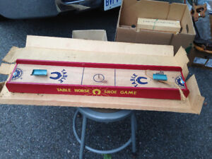 VINTAGE TABLE HORSE SHOE GAME + ORIGINAL BOX