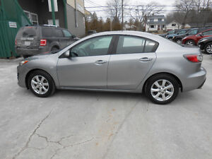 2010 MAZDA3 4 DOOR GS 1 YEAR UNLIMITED KLOMETERS INCLUDED