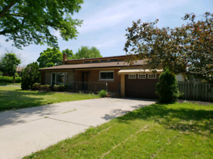 AMAZING ONE OF A KIND 5 BDRM HOUSE FOR RENT IN ST CATHARINES