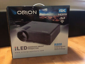 2018 HD projector with screen brand new !